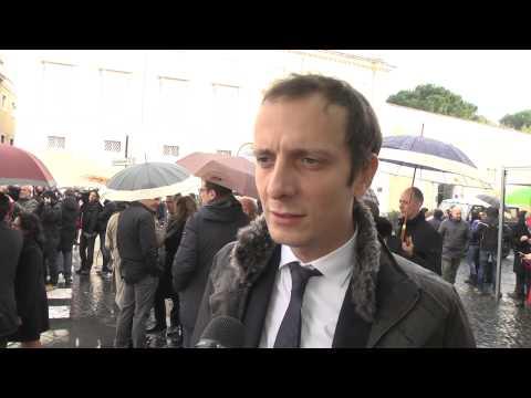Pensioni - Massimiliano Fedriga protesta davanti alla consulta