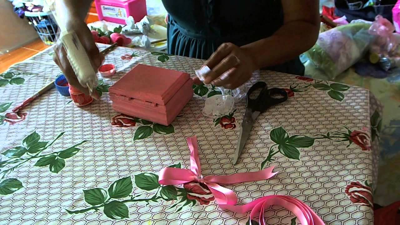 Como decorar una caja para recuerdo de 15 a os youtube - Como decorar una lapida ...