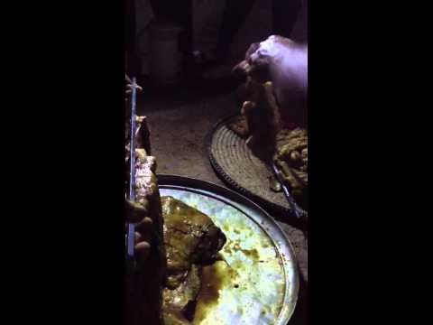 طريقة طبخ اللحم التنوري في حضرموت