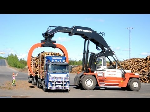 Svetruck TMF 28-21 unloading Volvo FH12 6x2 Timber Truck Music Videos
