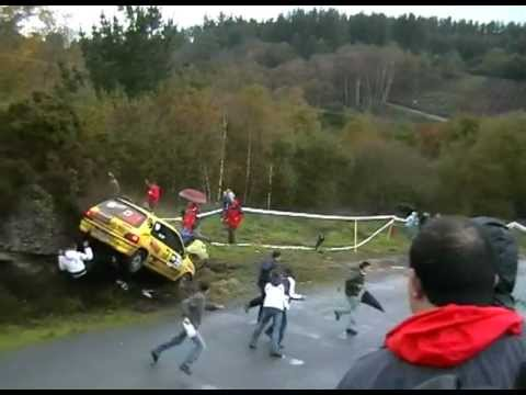 SUPER ACCIDENTE RALLY SAN FROILAN 2006,ATROPELLO CHICA
