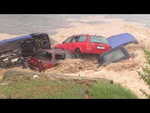 [ВИДЕО] Бедствие във Варна - невиждано наводнение с жертви, пострадали и разрушения