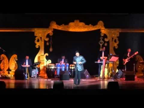 Udit Narayan - Ruk Ja O Dil Deewane (Dilwale Dulhania Le Jayenge) - Live in Concert 2014 - Holland