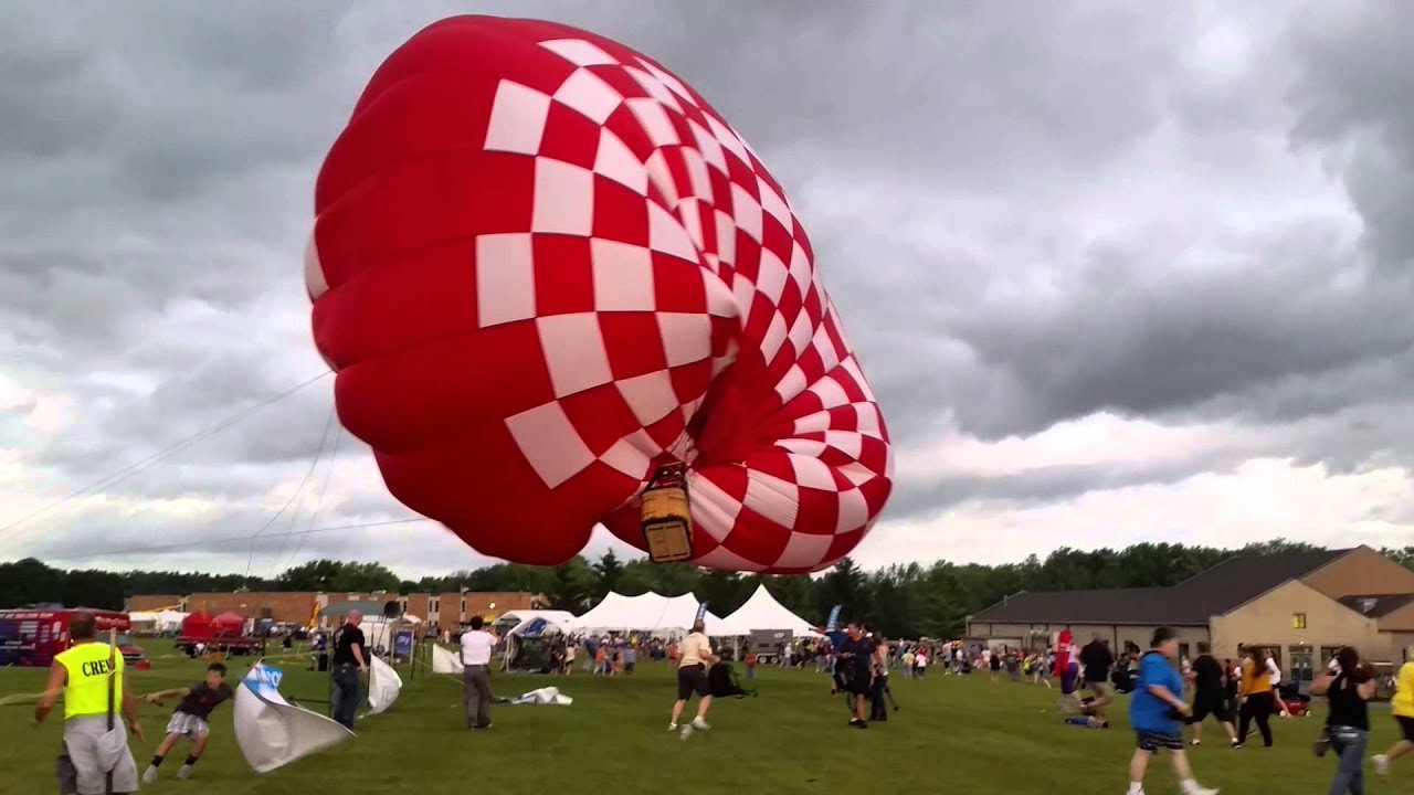 OMG! This Is Why You DON'T Try To Fly Hot Air Balloons When it's Windy
