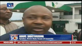 News@10: APC, PDP Storm Port Harcourt Street In Separate Demonstrations 17/11/16 Pt.1