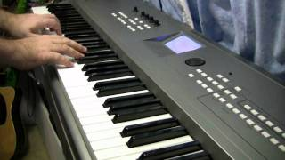 Yamaha MM8 Noodling blues on the piano