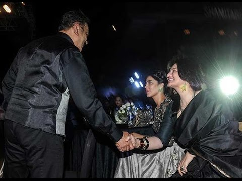 Kamal and Sarika share friendly handshake at Shamitabh audio launch | Hot Cinema News