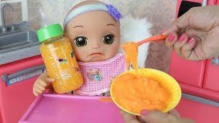 Baby Alive Maria Clara comendo Papinha e Suco de Cenoura