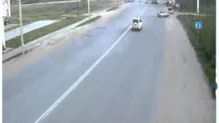 2 ô tô đâm nhau bốc cháy kinh hoàng