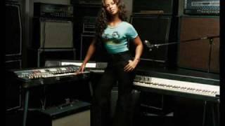 Watch Alicia Keys Little Drummer Girl video