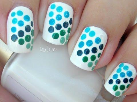 Nail Art Blue to Green Gradient Dots