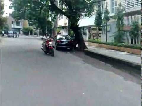 Killing Faizuls Nokia 1110 Part2 (MotorBike) - Crazy Dudes