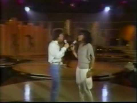 CLIFF RICHARD MARILYN MCCOO - DREAMIN