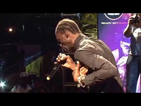 Ninja Man Disses Gully Bop And Laing Onstage video