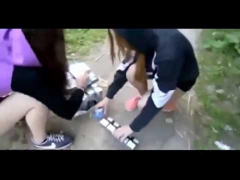 Russian girls were videotaped their theft