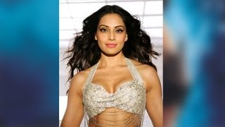 Raaz 3 - Bipasha Basu's HOT Look In RAAZ 3
