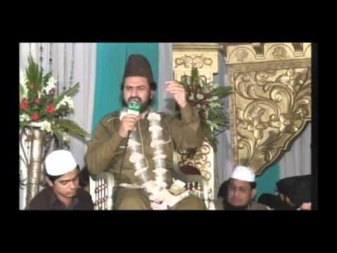 Syed Zabeeb Masood Beautiful Naat (nigah E Rahmat Uthi Hui Hai Wo Sb Ki Bigri) Part 01 video