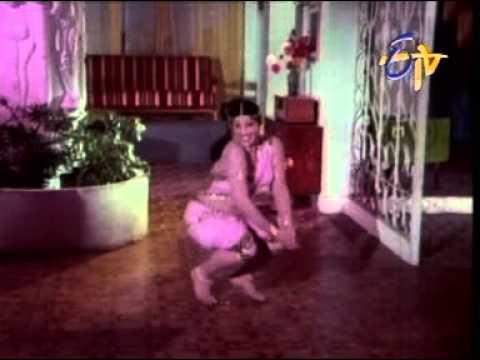 Jayamalini hot in pink saree