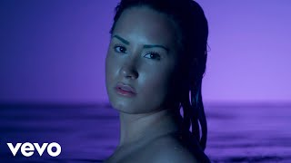 Клип Demi Lovato - Neon Lights