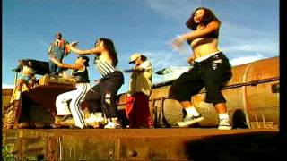 Watch Ilegales La Morena video
