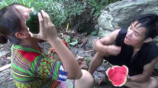 Primitive Life Survival Skills - Finding food meet watermelon for Delicious eating in nature