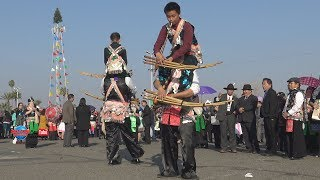 Hmong traditional doubles jumping Qeej hmong new year 2018