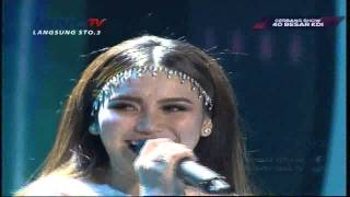 "download lagu Ayu Ting Ting "" Perahu Layar "" Gerbang Show gratis"