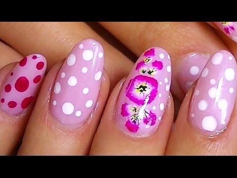 Маникюр. Рисунки на ногтях: гвоздики и милый горошек.