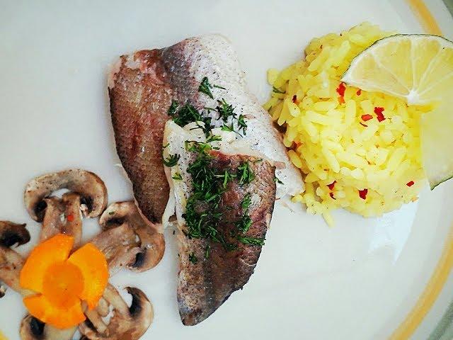 ЛЕГКИЙ УЖИН. МЕНЬШЕ 300 КАЛОРИЙ. Хек на пару с рисом // LOW-CALORIE DINNER. Steamed fish  with rice