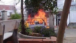 Toàn cảnh vụ cháy xe MERCEDES BENZ 16 chỗ ngồi BKS 51B 023 94 tại Buôn ma thuột- Dak lak-
