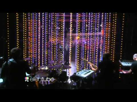 Ella Henderson Ghost On Ellen Degeneres Show