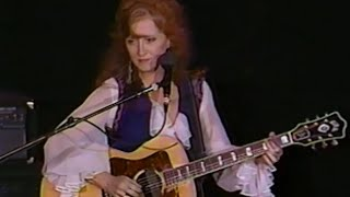 Watch Bonnie Raitt Nobodys Girl video