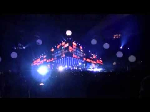 Supermassive Black Hole - MUSE-LIVE-Wembley.-multicam