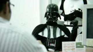 Thumb Darth Vader pidiendo un préstamo bancario
