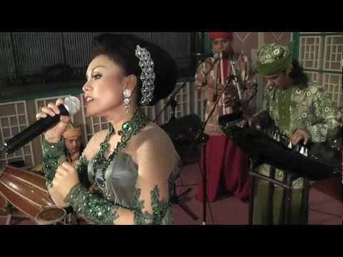 SambaSunda Quintet: 'Bulan Sapasi' Video Clip