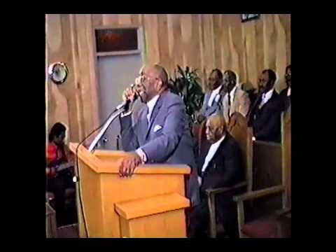 Watch Bishop Nathaniel Simmons - Devotional Singing