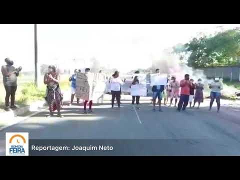 Moradores do bairro Lagoa Salgada realizam manifestação na avenida Noide Cerqueira
