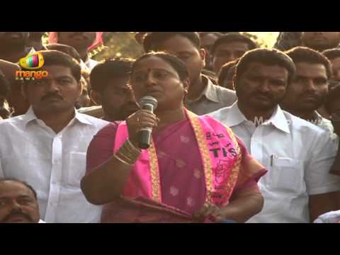Konda Surekha praising TRS chief K Chandrasekhar Rao