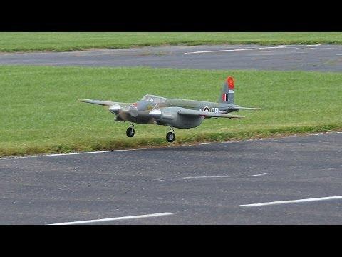 de Havilland Mosquito RC Model IV Maiden