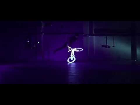 Guinness World Record holder Matti Hemming rides a BMX covered in UV paint and took it to a big dark wharehouse in Hackney. website: www.mattihemmings.co.uk ...