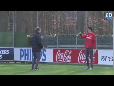 Derde doelman Danny Wintjens (31) trainde donderdag voor het eerst mee bij PSV op De Herdgang.