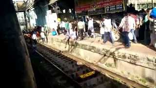 SHOCKING VIDEO || People Walking On Mumbai Railway tracks India 2015 HD