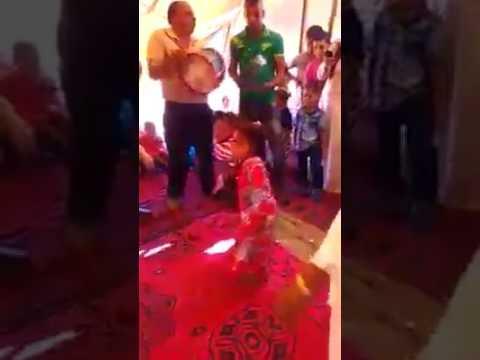 أصغر طفل مغربي يرقص بطريقة الكبار thumbnail