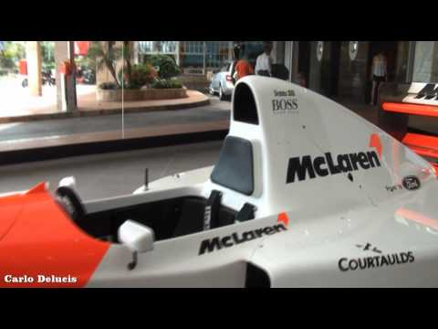 Today a special racecar! At the McLaren retailer in Monaco there was the 1993 Formula 1 season car, the MP4/8. This in particular was Ayrton Senna's car, and...