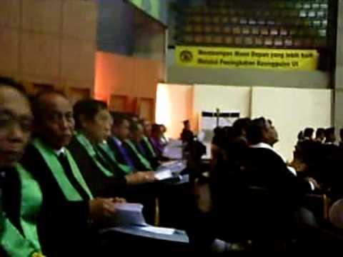 Wisuda UI pidato Rektor 20090829 Prof Dr der Soz Gumilar R Somantri