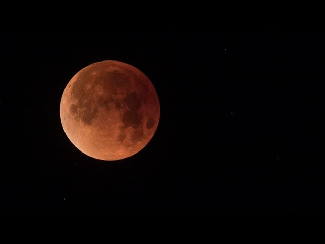 """Super Blue Blood Moon"" lunar eclipse time-lapse"