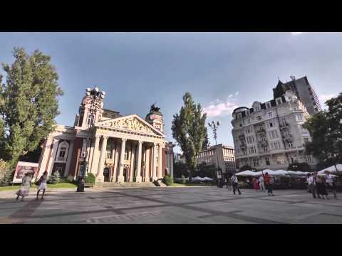 """Премиера на филма """"Между изтока и запада"""" 23.10.2012."""