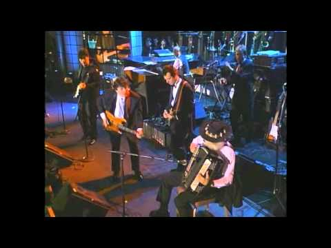 "The Band with Eric Clapton Perform ""The Weight"" at 1994 Inductions"