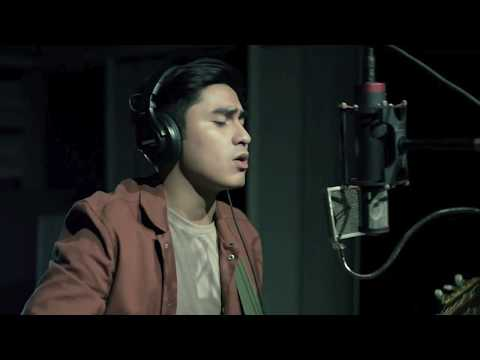 Dive - Ed Sheeran Cover by CJ Navato