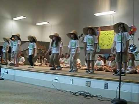 Harwich elementary school 1st grade play